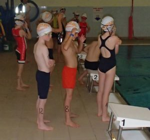 the mini triathlon event swimming